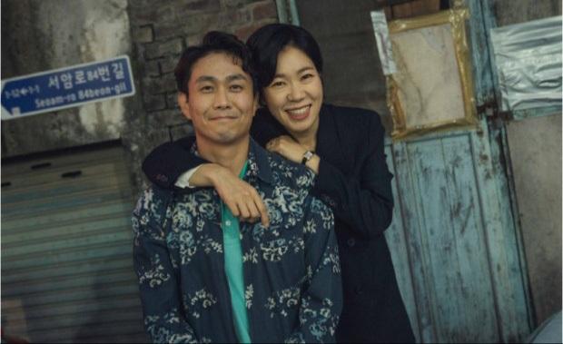 Oh Jung Se - Gã đàn ông gàn dở âm thầm tạo hào quang cho Khi Hoa Trà Nở và Điên Thì Có Sao - Ảnh 3.