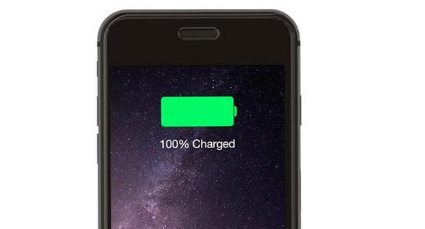 Sạc pin smartphone như thế nào là chuẩn? - Ảnh 1.