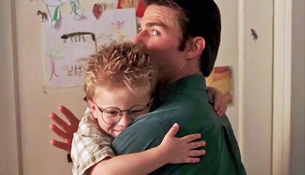 Sự thật đằng sau bức ảnh gây sốc Tom Cruise là ma cà rồng hack tuổi đỉnh cao, mặc kệ sao nhí biến thành lão ông - Ảnh 3.
