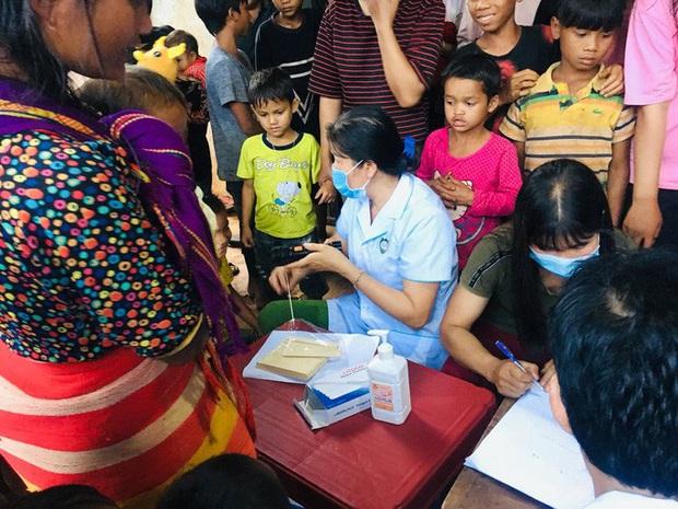 Gia Lai: Hàng trăm học sinh phải nghỉ học khi 1 em nhỏ chết vì bạch hầu - Ảnh 1.