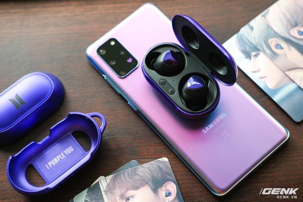 Mở hộp tai nghe Galaxy Buds+ phiên bản BTS: Hộp sản phẩm to bất ngờ, bóc mỏi tay mới biết có nhiều quà kèm theo dành cho A.R.M.Y - Ảnh 12.