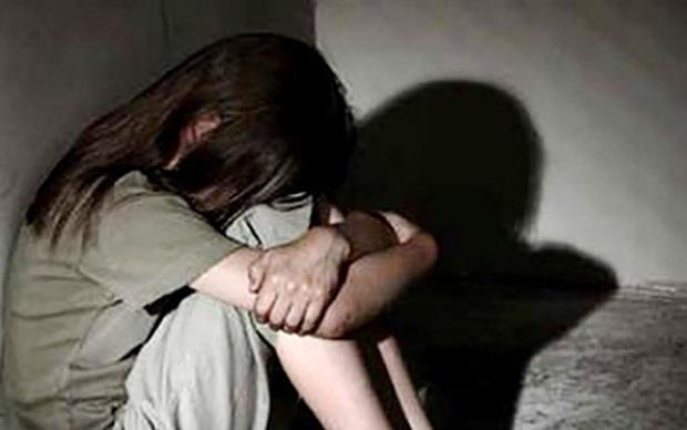 Điều tra nhóm thiếu niên thay nhau hiếp dâm bé gái, còn lấy điện thoại quay video - Ảnh 1.