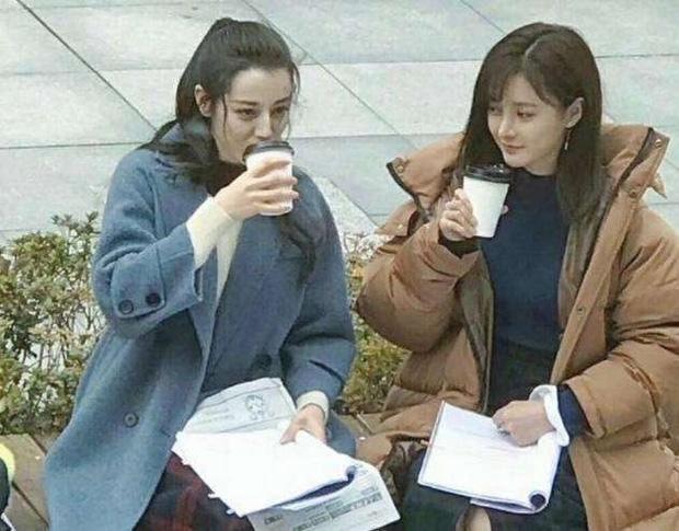Khi mỹ nhân Cbiz đọ sắc với diễn viên đóng thế: Dương Mịch, Angela Baby cứ như có chị em sinh đôi vậy - Ảnh 15.