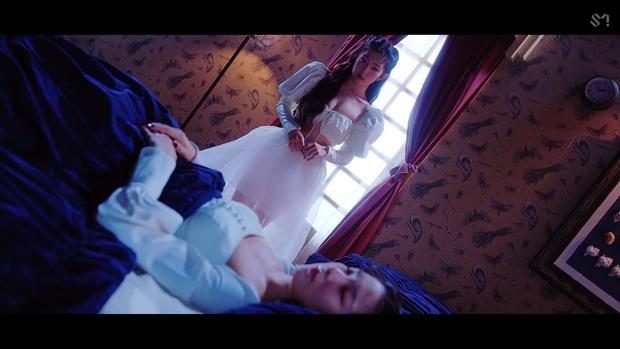 Nữ thần đẹp nhất Kpop khiến dân tình phụt máu mũi với màn o ép gò bồng đảo: Irene ngây thơ nay đã lột xác! - Ảnh 4.