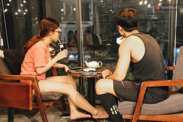 Nhiều quán cafe thâu đêm ở Sài Gòn chật kín khách: Sức chi tiêu của người Việt về đêm đâu kém du khách quốc tế! - Ảnh 7.