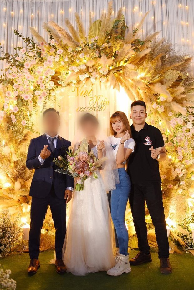 Khởi My - Kelvin Khánh quần jeans áo thun đi ăn cưới mà vẫn quá nổi: Màn tăng cân của chồng lấn át body nuột nà của vợ - Ảnh 3.