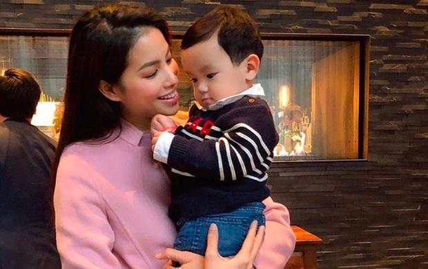 Con trai Phạm Hương lên đồ chỉn chu trong ngày đầu đi học: Nhìn qua là biết mẹ chăm khéo lắm đây này! - Ảnh 6.