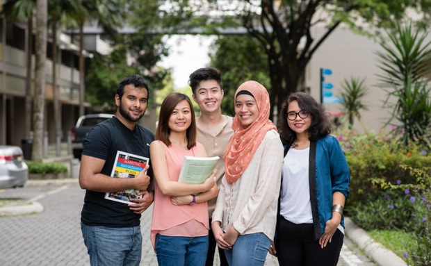Sinh viên quốc tế tại Mỹ có thể bị trục xuất nếu chỉ học online  - Ảnh 1.