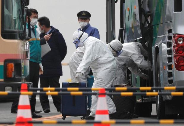 Nhật Bản: Gần 30% nhân viên y tế tham gia chống Covid-19 bị trầm cảm - Ảnh 1.