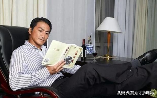 Triển Chiêu Hà Gia Kính tuổi 61: Độc thân vui vẻ, body cuồn cuộn, tự xây dựng đế chế 400 tỷ nhờ bán... rong biển - Ảnh 2.