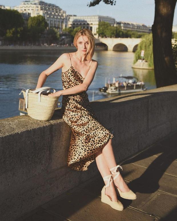 Phụ nữ Pháp chẳng ưa mấy đôi cao gót lênh khênh, họ chỉ thích diện 4 kiểu giày đế thấp thanh lịch đi làm - Ảnh 17.