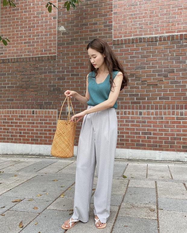 5 outfit xịn mịn, ai mặc cũng đẹp mà hè năm nào các BTV thời trang cũng nhiệt tình áp dụng - Ảnh 6.