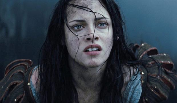 7 vai diễn tệ hại phá hỏng cả phim: Emma Watson và Keanu Reeves cũng có ngày trở thành hố đen vũ trụ - Ảnh 6.