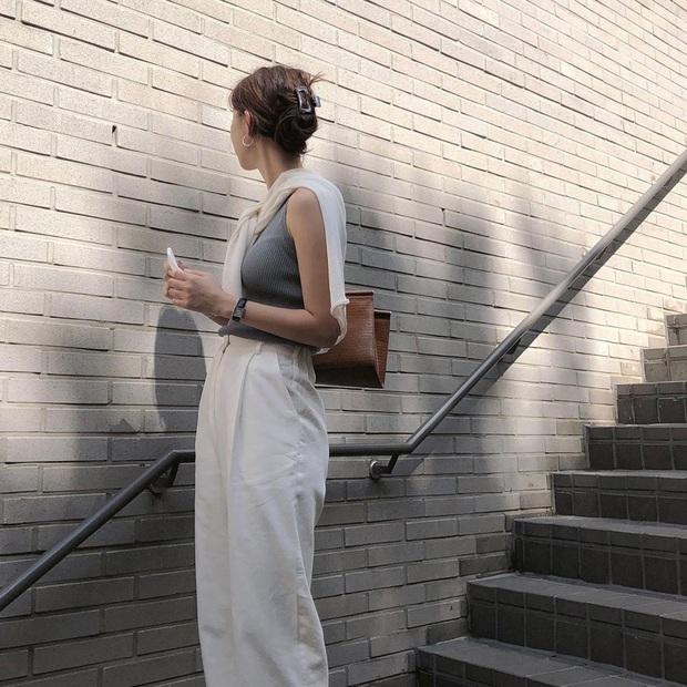 5 outfit xịn mịn, ai mặc cũng đẹp mà hè năm nào các BTV thời trang cũng nhiệt tình áp dụng - Ảnh 8.