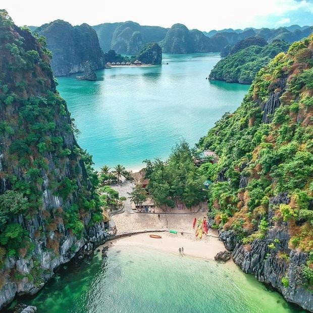 """Có gì hay ở vịnh Lan Hạ? - Đảo ngọc Việt Nam được tài tử Leonardo DiCaprio """"lăng xê"""" trên Instagram - Ảnh 2."""