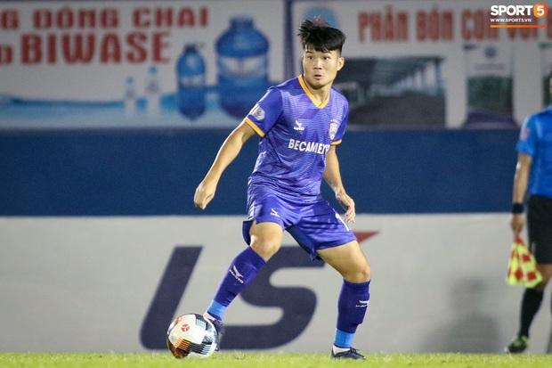Cựu sao trẻ U20 Việt Nam từng công khai tìm đội bóng tôn trọng mình hơn, tự nhìn nhận bản thân còn kém, phải lao vào tập luyện - Ảnh 2.