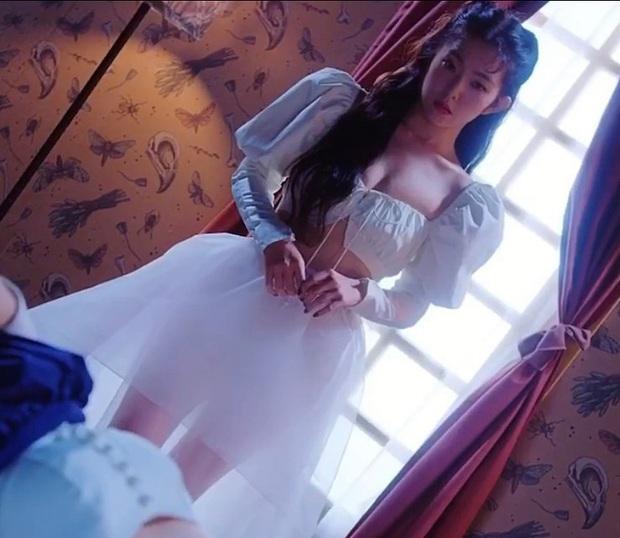 Nữ thần đẹp nhất Kpop khiến dân tình phụt máu mũi với màn o ép gò bồng đảo: Irene ngây thơ nay đã lột xác! - Ảnh 5.