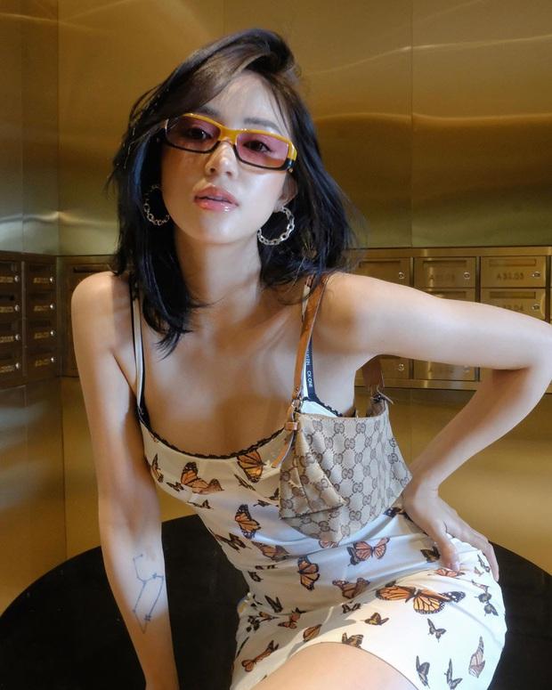 Bắt trend theo Jennie, Chi Pu… hội sành mặc phải sắm ngay các item hình bươm bướm để diện cho xinh và chuẩn mốt - Ảnh 5.