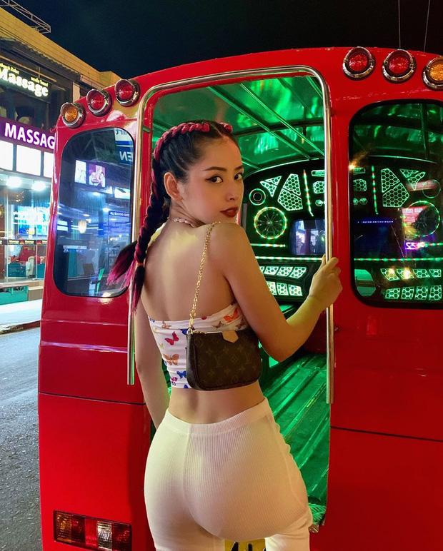 Bắt trend theo Jennie, Chi Pu… hội sành mặc phải sắm ngay các item hình bươm bướm để diện cho xinh và chuẩn mốt - Ảnh 4.