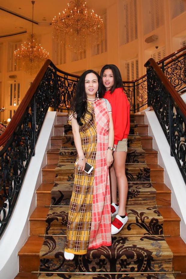 Con gái lớn của Phượng Chanel diện bikini, khoe vẻ đẹp tuổi 17 lôi cuốn mọi ánh nhìn - Ảnh 1.