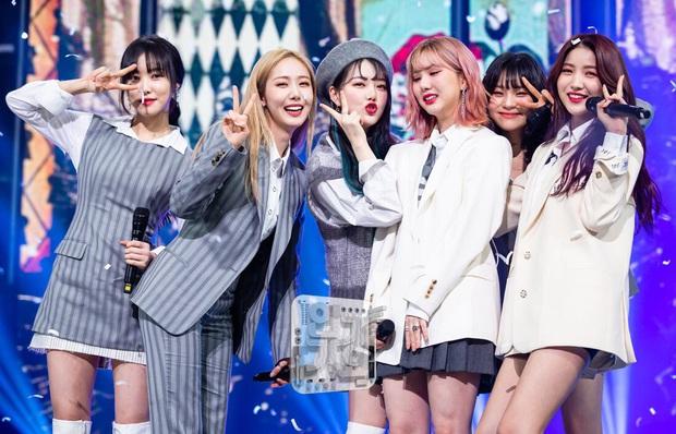 """Những ca khúc """"giật"""" nhiều cúp nhất trên show âm nhạc năm 2020: BTS không phá nổi kỉ lục cũ, á quân không quảng bá vẫn thắng TWICE, IU - Ảnh 6."""