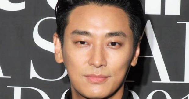 Nhan sắc thật của 7 tài tử Hàn qua ảnh chụp siêu cận chưa PTS: Song Joong Ki - Park Bo Gum da đẹp khó tin, Hyun Bin lại lộ khuyết điểm - Ảnh 2.