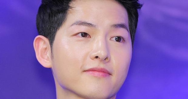 Nhan sắc thật của 7 tài tử Hàn qua ảnh chụp siêu cận chưa PTS: Song Joong Ki - Park Bo Gum da đẹp khó tin, Hyun Bin lại lộ khuyết điểm - Ảnh 3.