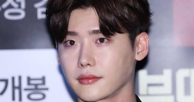 Nhan sắc thật của 7 tài tử Hàn qua ảnh chụp siêu cận chưa PTS: Song Joong Ki - Park Bo Gum da đẹp khó tin, Hyun Bin lại lộ khuyết điểm - Ảnh 6.