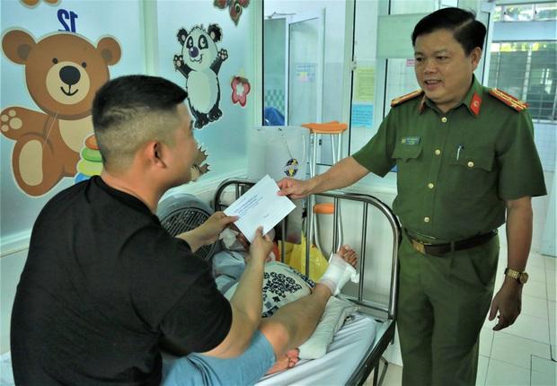 Trung úy công an bị đứt gân chân khi truy bắt đối tượng bán ma túy - Ảnh 3.