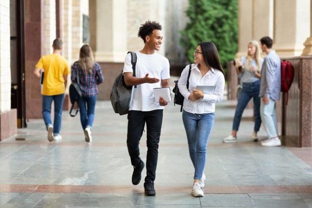 Bộ Ngoại giao Mỹ ra thông báo về thông tin 'sinh viên quốc tế phải rời Mỹ' - Ảnh 1.