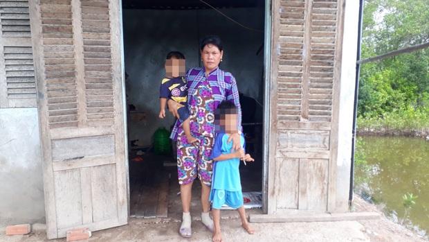 Người mẹ kêu cứu cho con gái làm ở quán nhậu bị lừa bán sang Trung Quốc  - Ảnh 1.