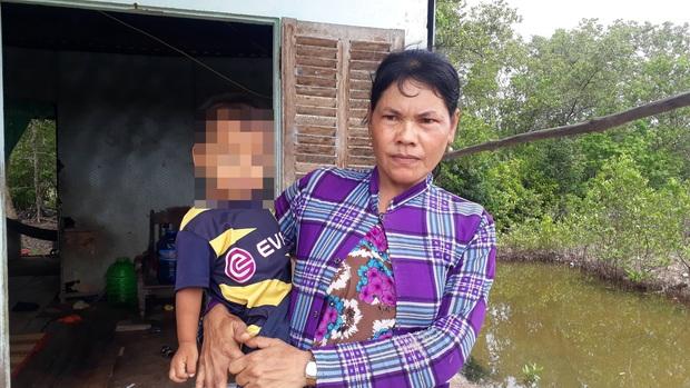 Người mẹ kêu cứu cho con gái làm ở quán nhậu bị lừa bán sang Trung Quốc  - Ảnh 3.