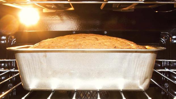 Giải mã sức hút của chiếc bánh mì bột chua xịn sò, làm mất 5 ngày liền mà hội chị em yêu bếp vẫn thi nhau thử sức - Ảnh 9.