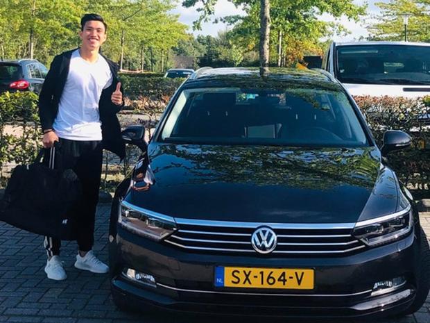 Văn Lâm được Muangthong United đổi cho ô tô mới cứng, cùng giá tiền tỷ nhưng chất hơn xe cũ - Ảnh 2.