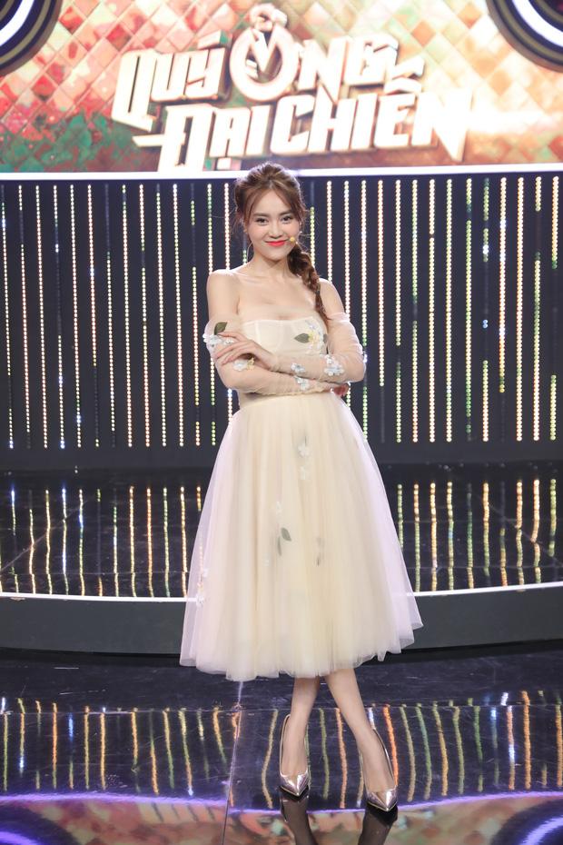 Hari Won tiết lộ Trấn Thành rất thích mặc đồ đôi, bật mí bí kíp nói dối để giữ lửa gia đình - Ảnh 6.