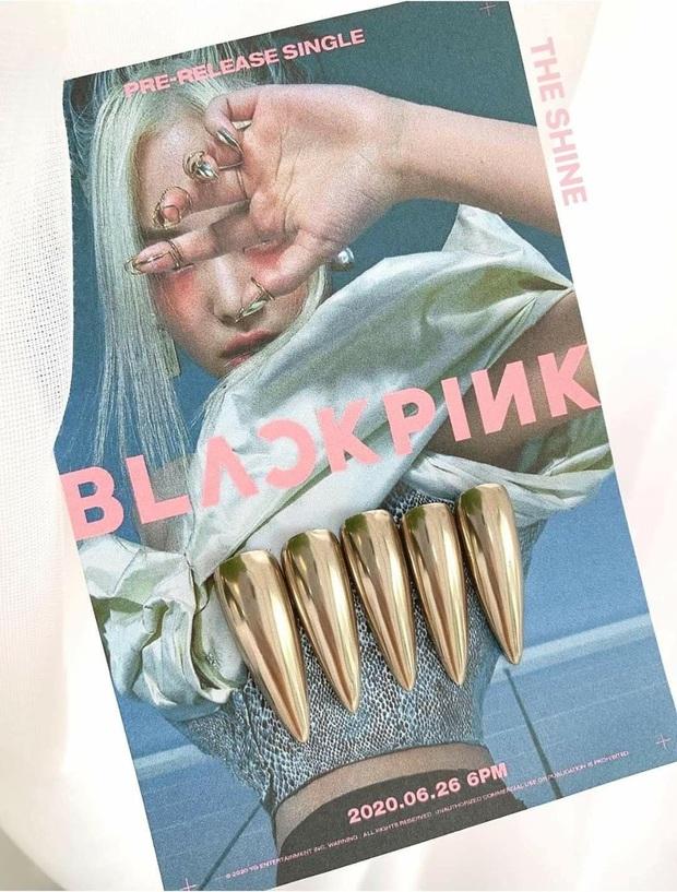 """Đi đâu cũng gặp """"nail Black Pink"""", đỉnh nhất là mẫu nail vuông lì giống Lisa nàng nào cũng muốn bắt chước - Ảnh 2."""