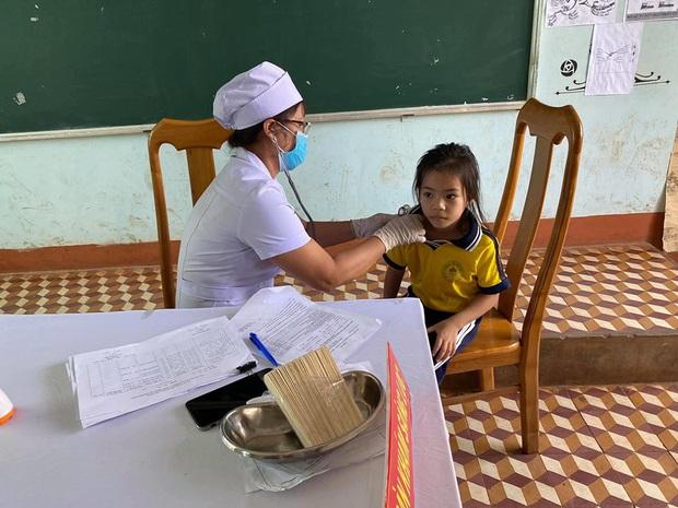 Ngăn chặn dịch bạch hầu: Hơn 10 triệu liều vắc xin tiêm chủng cho 4,7 triệu người dân - Ảnh 2.