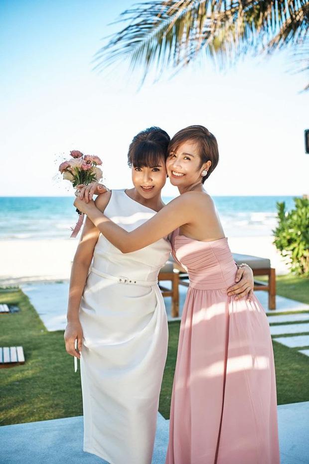 Nhan sắc ở tuổi 56 của mẹ Phanh Lee gây bất ngờ, gu ăn mặc thời thượng không kém con gái là bao - Ảnh 5.