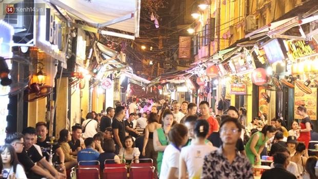 Xây dựng những thành phố không ngủ như thế nào để phát triển nền kinh tế ban đêm ở Việt Nam? - Ảnh 1.
