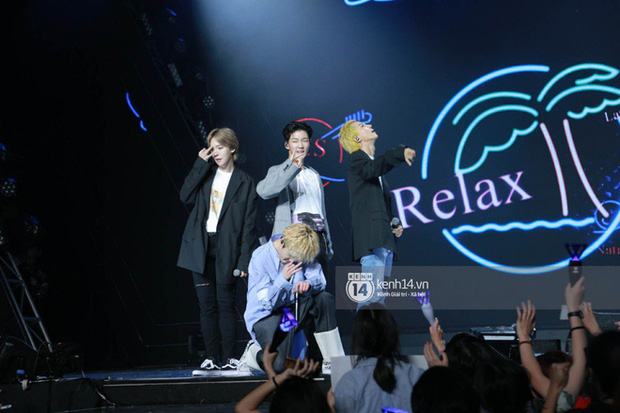 Khi sao Kpop diễn tại Việt Nam: HyunA, iKON, WINNER gây nức lòng fan Việt, Super Junior làm nổ tung sân khấu và còn nhiều hơn thế - Ảnh 27.