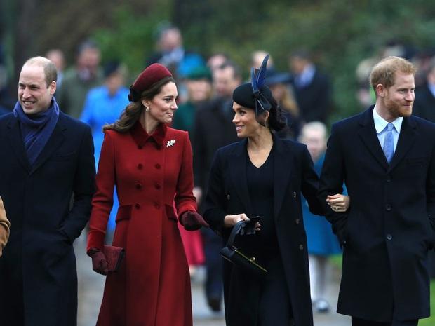 Anh em Hoàng tử William chính thức mang tài sản quỹ của mẹ ra chia chác, người hâm mộ đặt câu hỏi Harry sẽ dùng tiền cho mục đích gì - Ảnh 1.