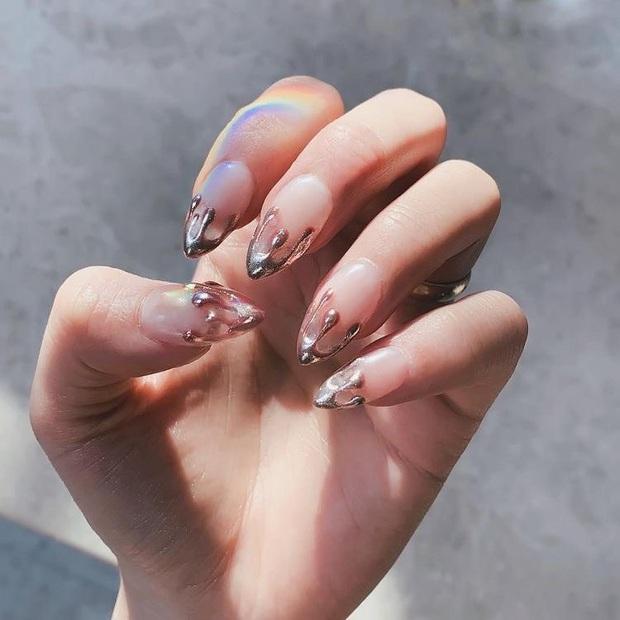 """Đi đâu cũng gặp """"nail Black Pink"""", đỉnh nhất là mẫu nail vuông lì giống Lisa nàng nào cũng muốn bắt chước - Ảnh 7."""