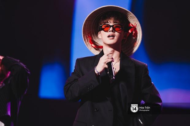 Khi sao Kpop diễn tại Việt Nam: HyunA, iKON, WINNER gây nức lòng fan Việt, Super Junior làm nổ tung sân khấu và còn nhiều hơn thế - Ảnh 31.