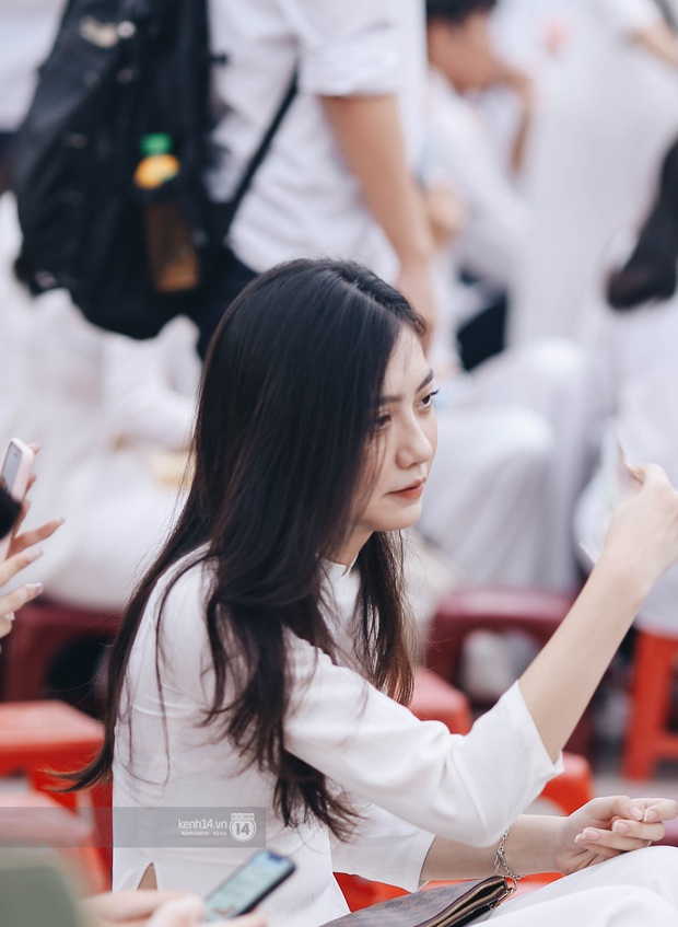 Dàn cực phẩm trai xinh gái đẹp Việt Đức (Hà Nội) nổi bần bật, chiếm spotlight ngày bế giảng - Ảnh 6.