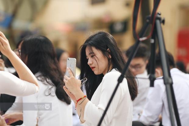 Dàn cực phẩm trai xinh gái đẹp Việt Đức (Hà Nội) nổi bần bật, chiếm spotlight ngày bế giảng - Ảnh 11.