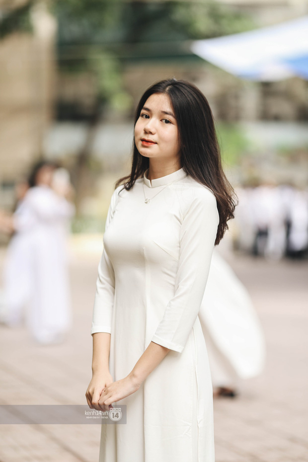 Dàn cực phẩm trai xinh gái đẹp Việt Đức (Hà Nội) nổi bần bật, chiếm spotlight ngày bế giảng - Ảnh 1.