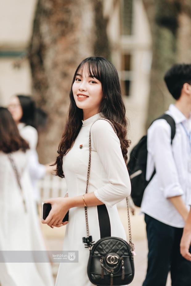 Dàn cực phẩm trai xinh gái đẹp Việt Đức (Hà Nội) nổi bần bật, chiếm spotlight ngày bế giảng - Ảnh 2.