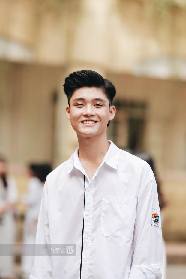 Dàn cực phẩm trai xinh gái đẹp Việt Đức (Hà Nội) nổi bần bật, chiếm spotlight ngày bế giảng - Ảnh 3.