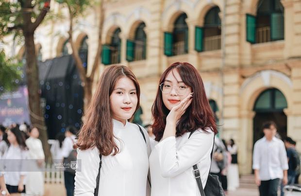 Dàn cực phẩm trai xinh gái đẹp Việt Đức (Hà Nội) nổi bần bật, chiếm spotlight ngày bế giảng - Ảnh 7.