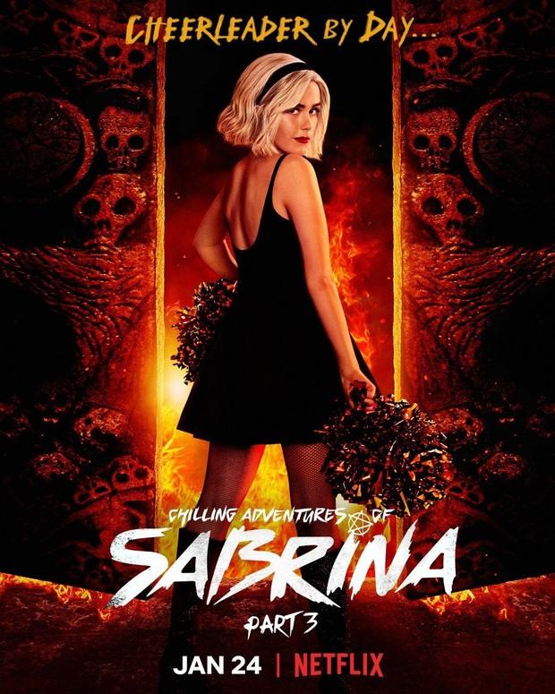 Chilling Adventures of Sabrina bị Netflix hủy sau mùa 4, dân tình bức xúc trút giận sang Riverdale - Ảnh 1.